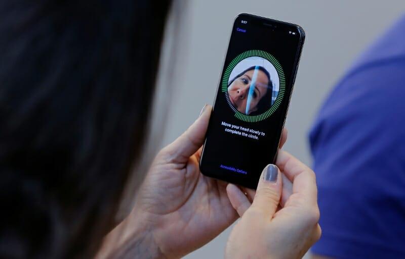 5 Fungsi Kamera Depan Ponsel Selain Untuk Selfie