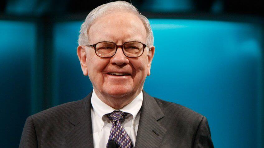 """Warren Buffet – """"Oracle of Ohama"""" Investor Terkaya di Dunia"""
